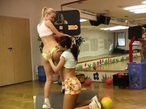 Cindy and Amber smashing each other in the gym