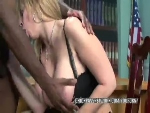 YouPorn - Mature slut Sara Jay is in her office and getting fucked free