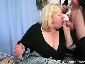 Granny gives double blowjob and gets doggystyled