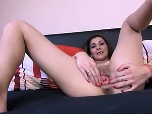Czech Mischel masturbate for you