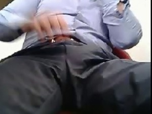 Turkish businessman cum on cam