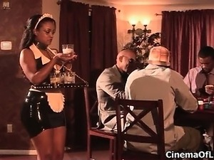 Ebony slut shows off her nasty ass part5