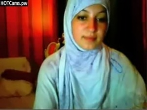 Free Chat Busty Hijab Girl Fingering Her Ass On Webcam - www.HOTCams.pw free
