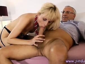 Amateur schoolgirl in stockings sex
