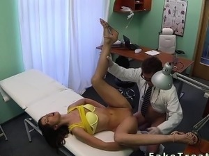 Doctor fucks patient in yellow bra in fake hospital