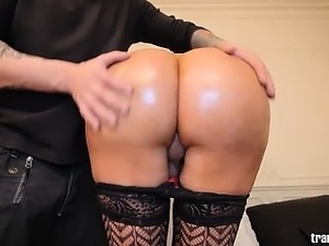 Mila Viasotti knows how to treat a man!