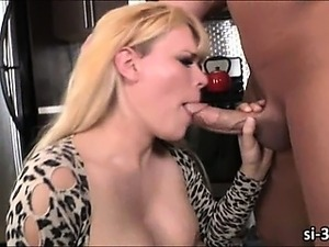 Tgirl Jesse Flores nailed in the kitchen