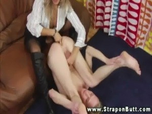 Hot babe fingers guy ass hole and cant get enough free