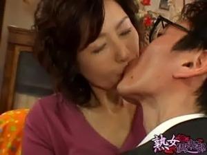 Japanese mature Ayako free