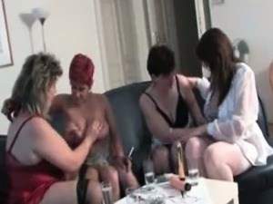 Horny mature whores get horny rubbing part1