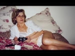 Horny mom gets fucked free