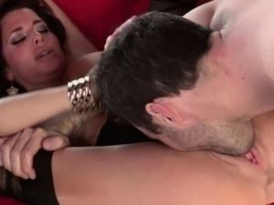 Big titted Veronica Avluv milf squirts