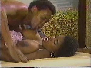 Ebony Ayes 80s 2