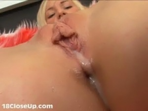 Watch Julia's Orgasm and Pussy  ... free