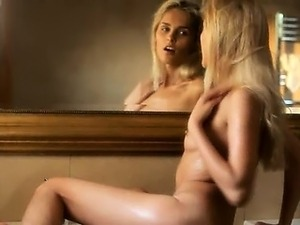 Sasha wetting glamour babe wow girl