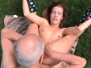 Grandpa cleans and fuck Alexis\'s shaved pussy