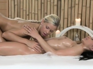 European blonde hottie giving nuru massage