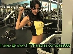 Luna gorgeous brunette chick in a gym
