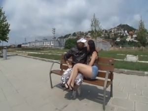Andrea jeune coiffeuse de 19 ans de Tenerif, baisee en plein air free