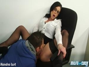 Hot MILF Kendra Lust ride cock free