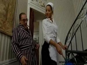 Maid Gives good head free