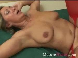 Divorcee gets nailed in red nylon free