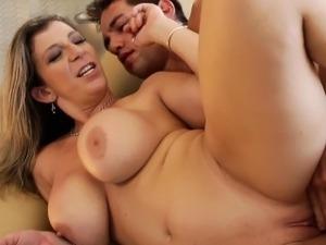 Busty mom Sara Jay gets facialized