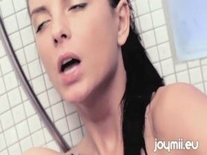 Joymii Monika Benz Orgasms From Masturbating With Shower Head free