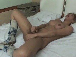 Shemale babe Shayenne DeLima tugging on her cock