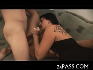 Fivesome bisex xxx action