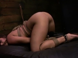 FetishNetwork Mena Li bound on sybian