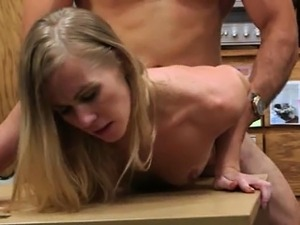 Tight blonde bimbo sold her pussy instead of her car