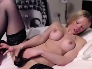 Blonde British Chick On Cam Wants You To Fuck Her