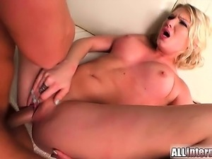 Lucy is a cute chick from the Army who loves to have hot