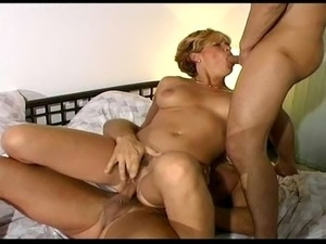 Blonde mom in amazing hardcore double penetration with younger guys