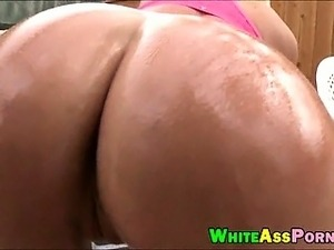 Big ass blonde babe Britney Amber shows off and gets rammed