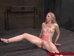 BDSM sub Sarah Jane Ceylon on sybian