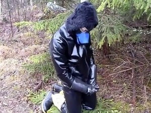 rubber wanking outdoor