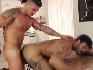 Athletic gaydom top wanking after fucking