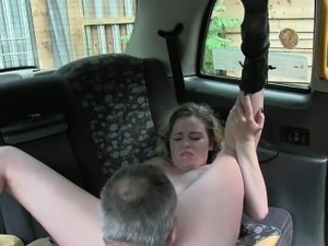 Customer seduces the driver and pounded in a quiet place