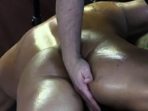 Straight amateur bulky hunk gets cock rubbed