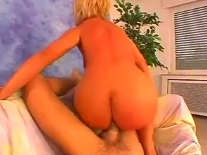 lady with hot round ass fucked hard