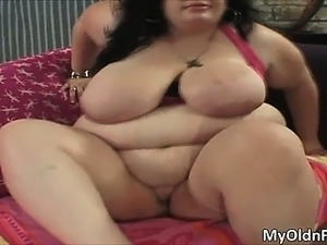 Fat big boobed MILF slut Desiree Divine part6