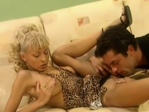 Nikki Blond has her pussy licked so good she can\'t wait to
