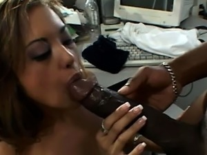 Cutie tries to give Mandingo some deepthroat