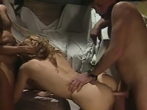 Classic porn star gets anal sex fucking in a threeway