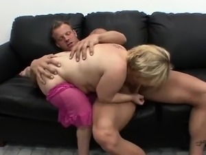 Midget plays pool and gives blowjob