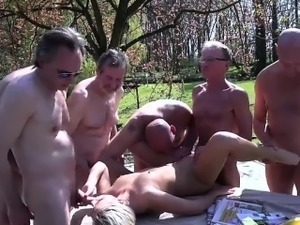 Young girl extreme penetration
