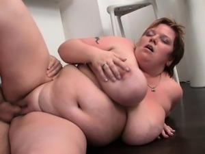 Fat bitch gives deep throat