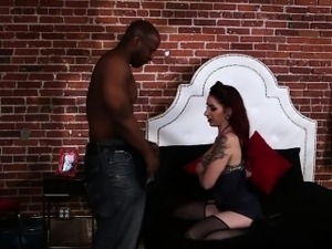 Pinup slut gets black rod